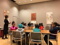 Christine Nelson accueille les participants à The Morgan Library & Museum​
